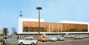 Palast_der_Republik_DDR_1977