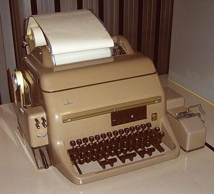 Fernschreiber (Siemens T100) - eingeführt im Jahre 1958 - moderner Nachfolger des T50