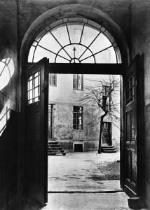 Erste Werkstatt von Siemens & Halske im Hinterhaus der Berliner Schöneberger Straße 19, Oktober 1847 (Quelle Wikipedia)